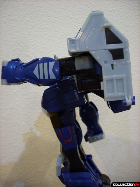 Animated Leader-class Autobot Ultra Magnus- robot mode (arm raised)