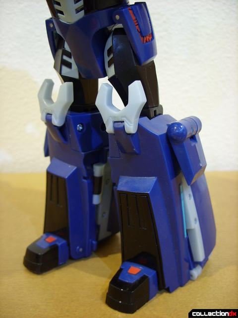 Animated Leader-class Autobot Ultra Magnus- robot mode (legs)