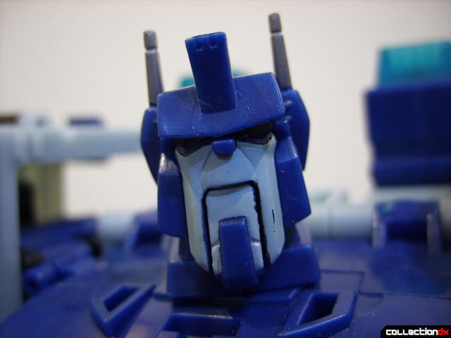 Animated Leader-class Autobot Ultra Magnus- robot mode (lookin at ya)