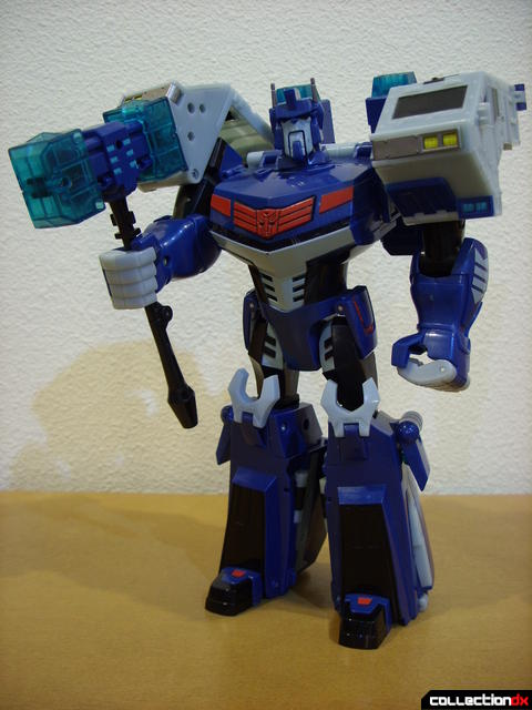 Animated Leader-class Autobot Ultra Magnus- robot mode posed (1)