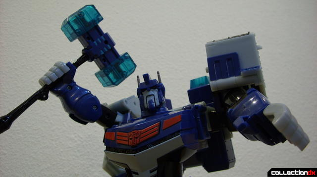 Animated Leader-class Autobot Ultra Magnus- robot mode posed (2)