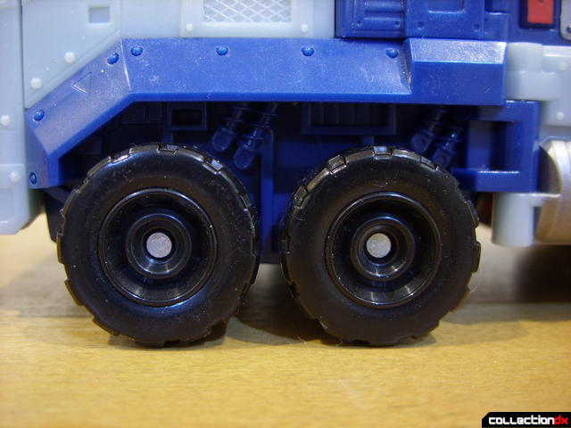 Animated Leader-class Autobot Ultra Magnus- vehicle mode (left front wheels)
