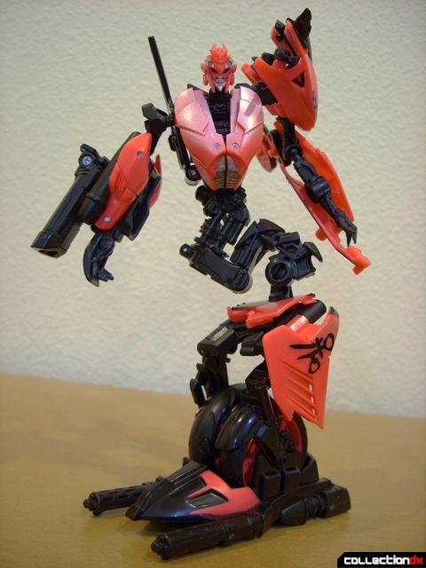 RotF Deluxe-class Autobot Arcee- robot mode posed (2)
