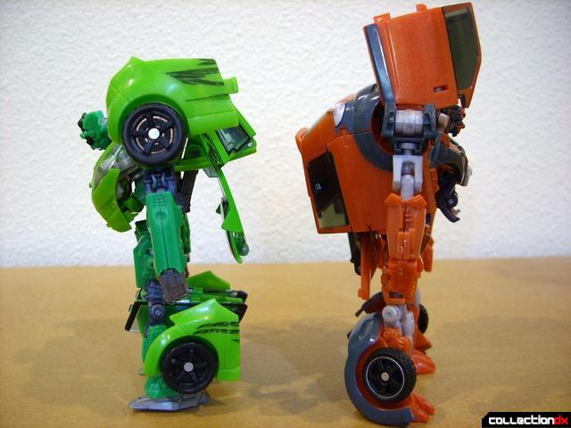 RotF Deluxe-class Autobot brothers Skids (L) and Mudflap (R) Mudflap in robot mode (2)