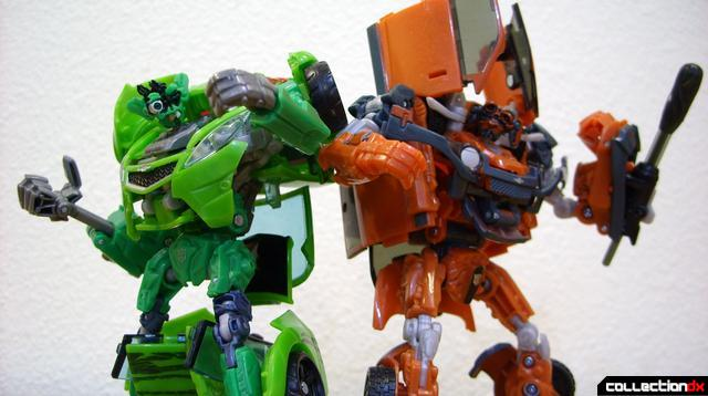 RotF Deluxe-class Autobot brothers Skids (L) and Mudflap (R) Mudflap in robot mode (3)