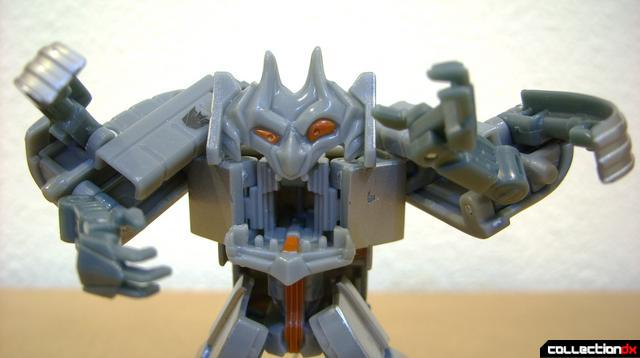 RotF Scout-class Decepticon Ejector- robot mode posed (2)