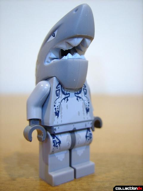 Wreck Raider- Shark Warrior minifig (front)