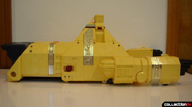 Deluxe Pyramidas The Carrier Zord- Carrier Mode (left profile)