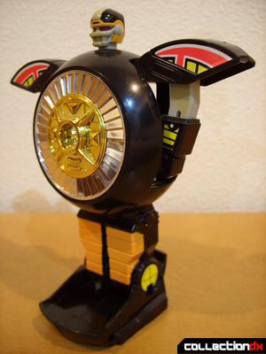 Deluxe Auto-Morphin Warrior Wheel- Robot Mode (front)