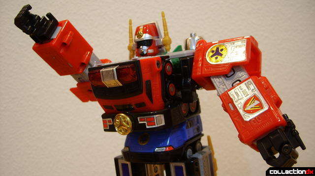 Deluxe Lightspeed Megazord (arms posed)