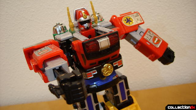 Deluxe Lightspeed Megazord (dramatic angle)