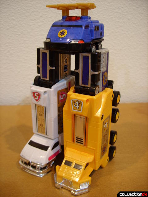 Deluxe Lightspeed Megazord- Hydro Mode (front)