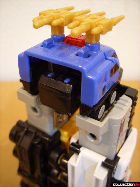 Deluxe Lightspeed Megazord- Hydro Mode (replacing water cannons) (1)