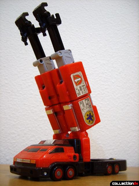 Deluxe Lightspeed Megazord- Pyro Rescue-1 (dramtic angle, arms extended)