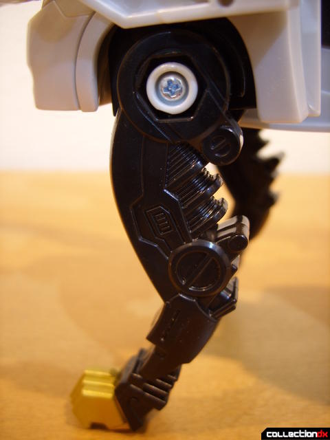 Chrome Prowler Tiger Zord- Zord Mode (left front leg)