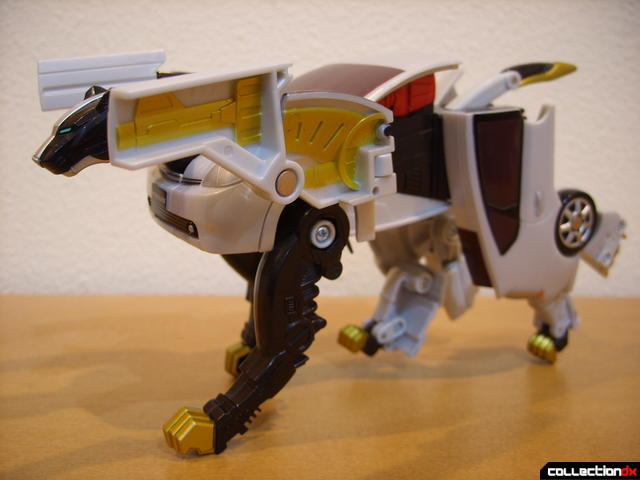 Chrome Prowler Tiger Zord- Zord Mode dramatic pose