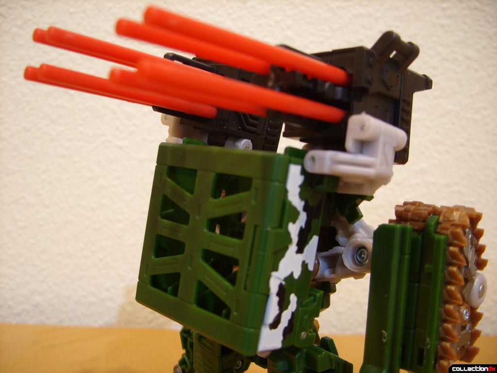 Deluxe-class Decepticon Hailstorm- Robot Mode (missile launchers, back)