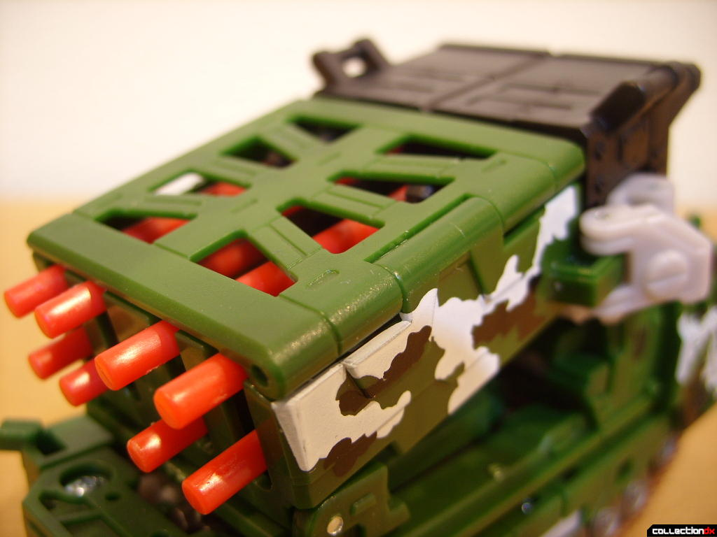 Deluxe-class Decepticon Hailstorm- Vehicle Mode (missile launcher, back)