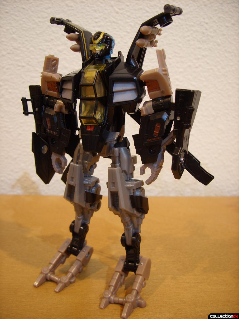 Deluxe-class Autobot Tomahawk- robot mode (front)