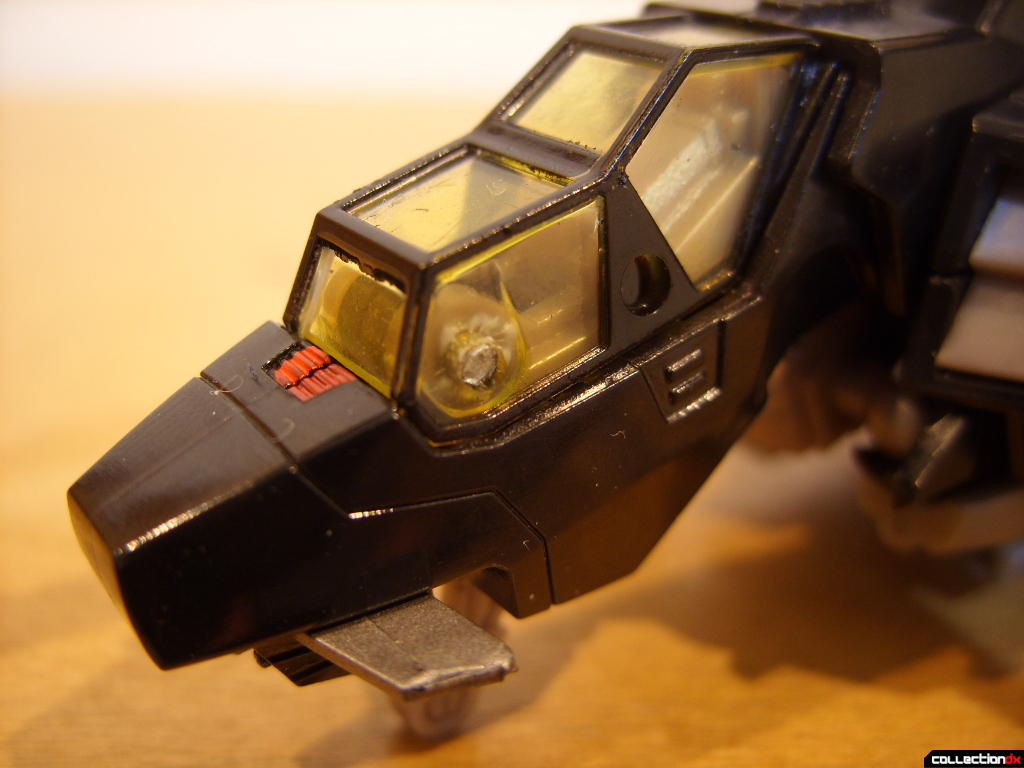 Deluxe-class Autobot Tomahawk- vehicle mode (nose and cockpit)