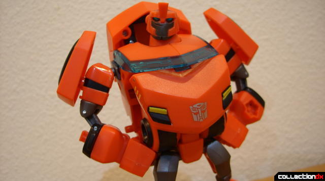 Deluxe-class Cybertron Mode Ironhide- robot mode posed (1)