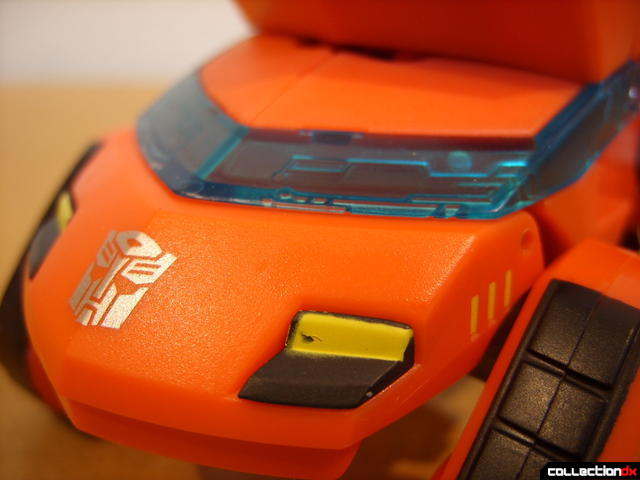 Deluxe-class Cybertron Mode Ironhide- vehicle mode (front detail)