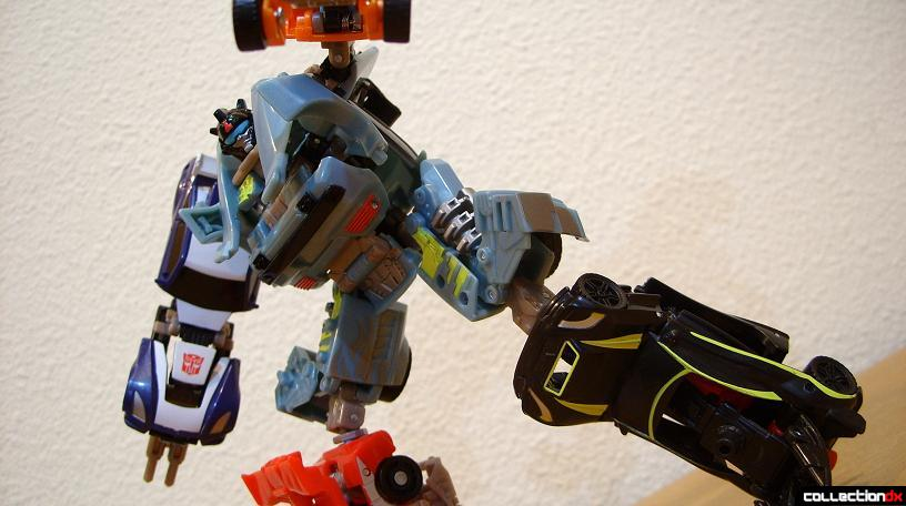 Autobot Double Clutch with Rallybots- Commander Mode posed (3)