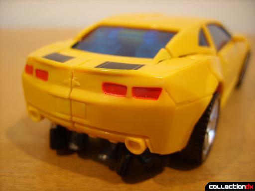 Deluxe-class Battle Blade Bumblebee - vehicle mode (back detail)