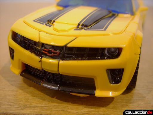 Deluxe-class Battle Blade Bumblebee - vehicle mode (front detail)