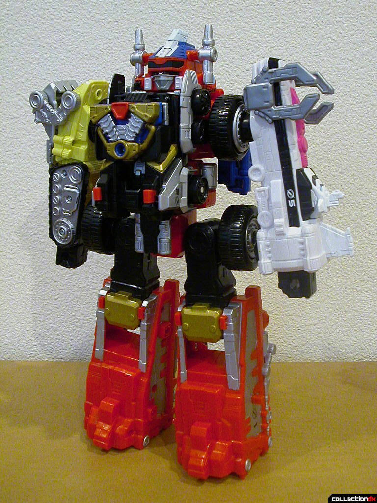 Deluxe DriveMax Megazord (front)