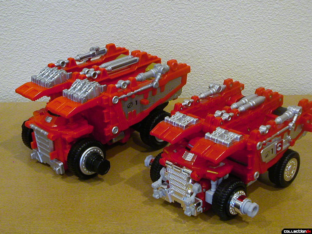 Dump Driver Zord (left) and Gougou Dump (right)