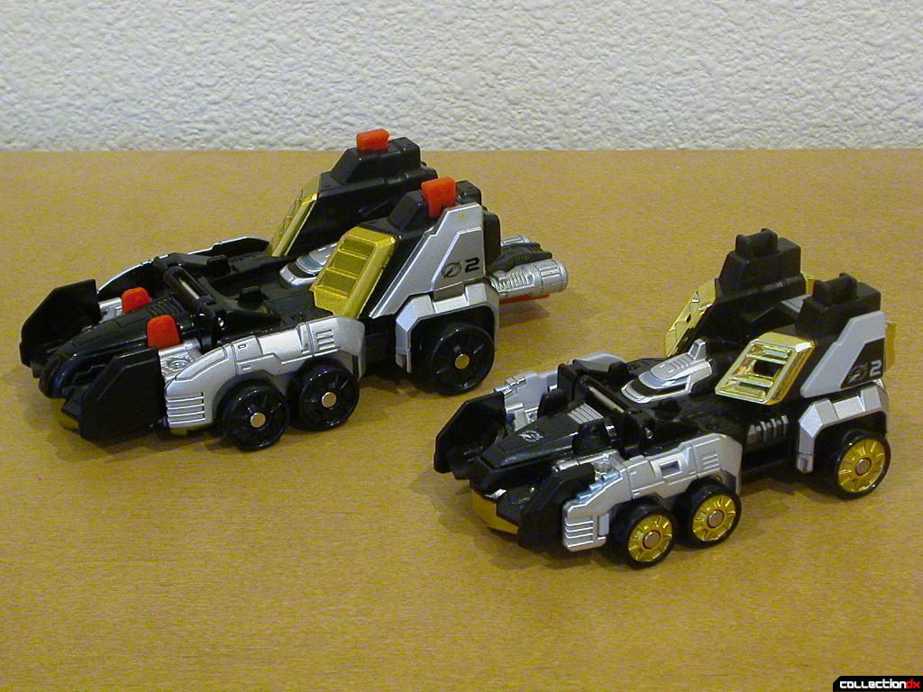Speed Driver Zord (left) and Gougou Formula (right)