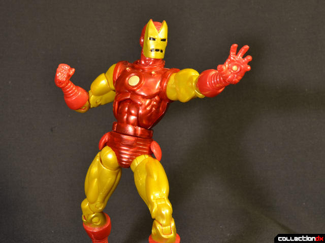 marvel-legends-iron-man-classic-04