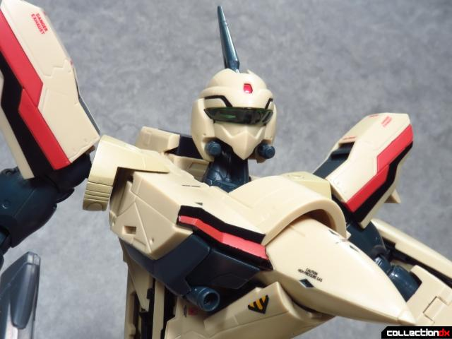 chogokin vf-19 advance 3