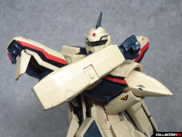 chogokin vf-19 advance 7