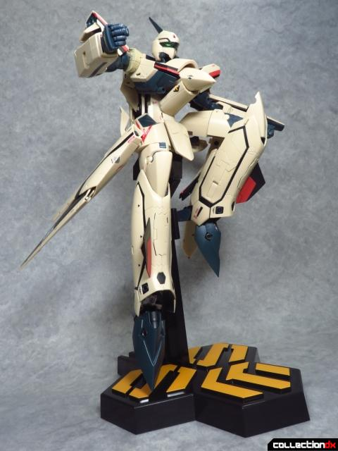 chogokin vf-19 advance 12