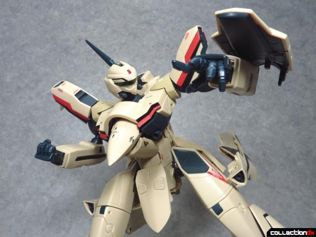 chogokin vf-19 advance 13