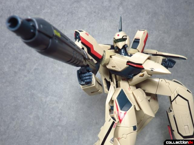 chogokin vf-19 advance 17