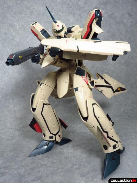 chogokin vf-19 advance 18