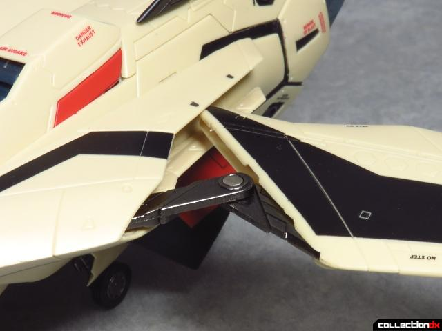 chogokin vf-19 advance 54