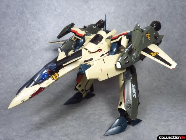 chogokin vf-19 advance 69