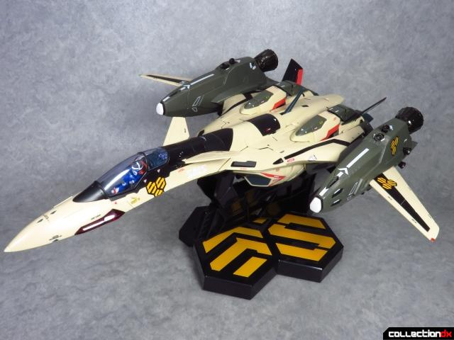chogokin vf-19 advance 73