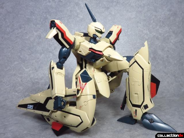 chogokin vf-19 advance 81