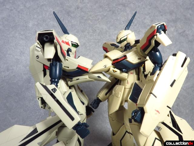 chogokin vf-19 advance 90