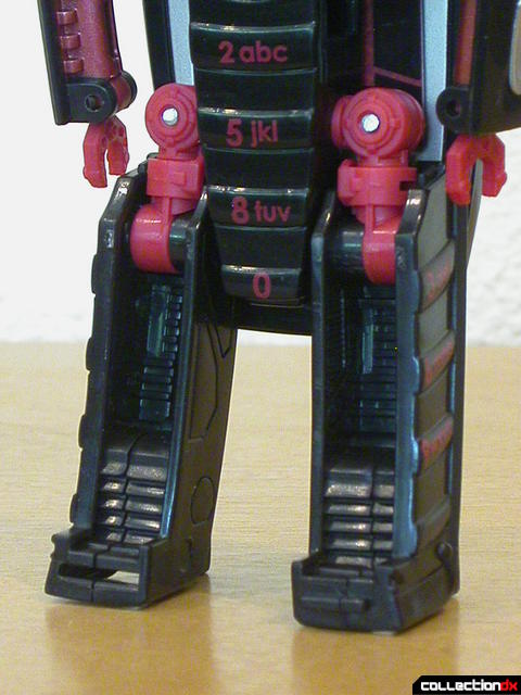 Decepticon Wite Tap V20- robot mode (legs facing backwards)