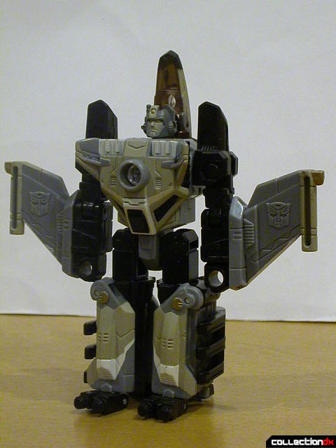 Autobot Skyblast- robot mode (front)