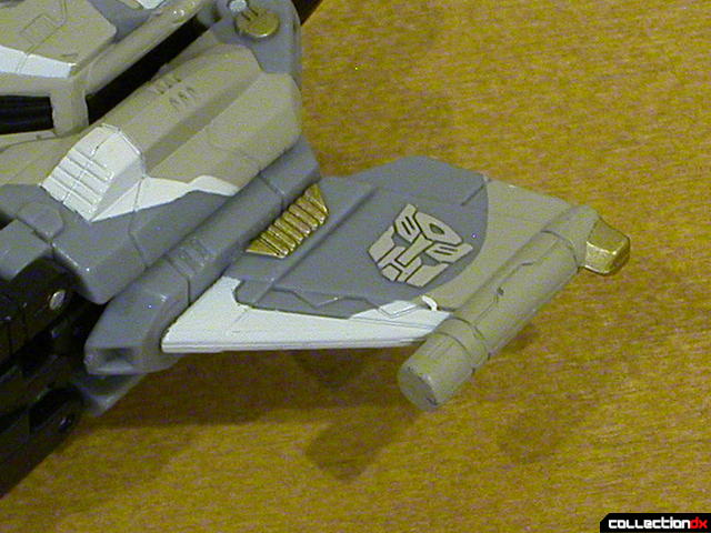 Autobot Skyblast- vehicle mode (left wing detail)